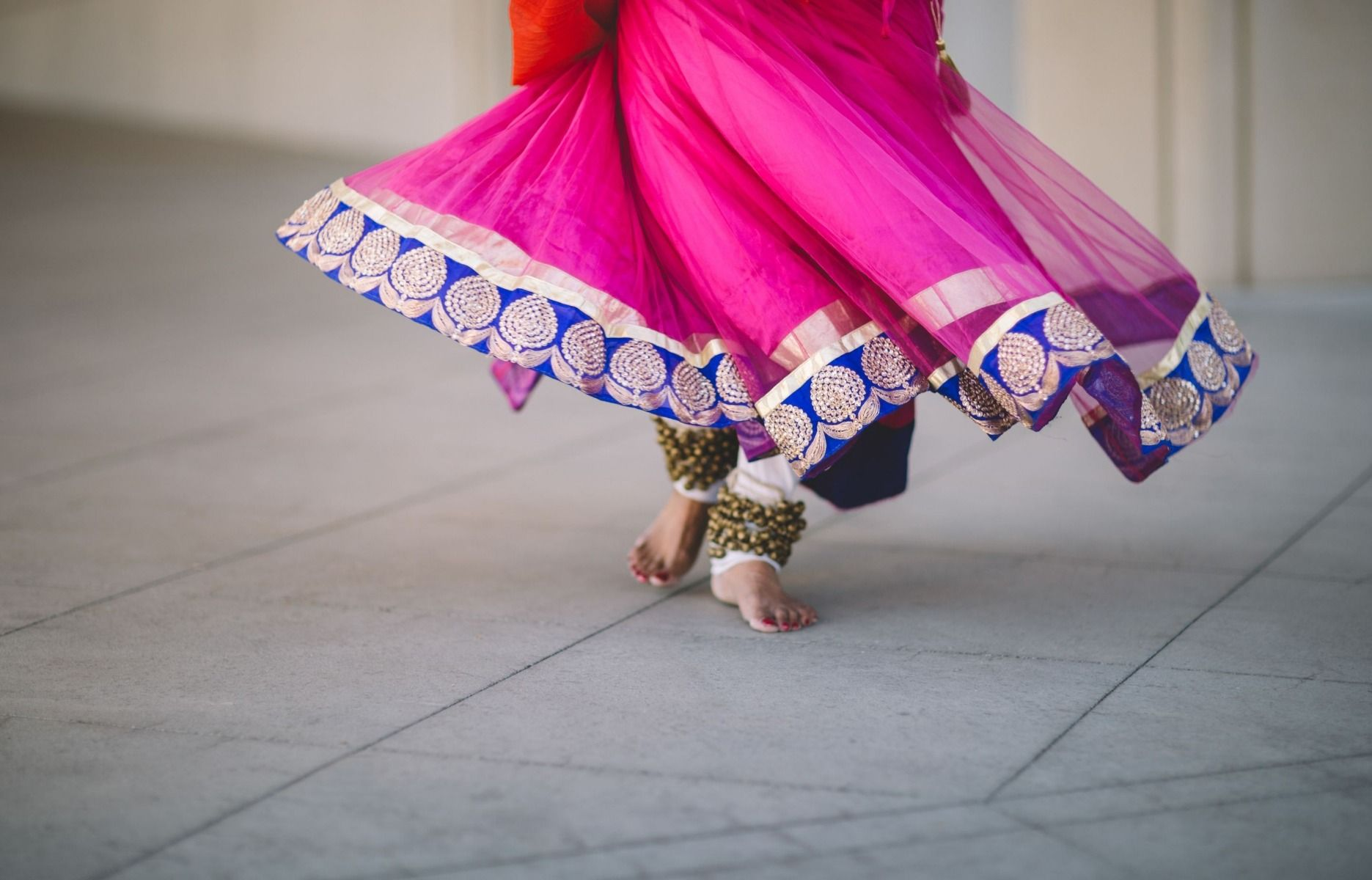 Dancer wearing pink Sari